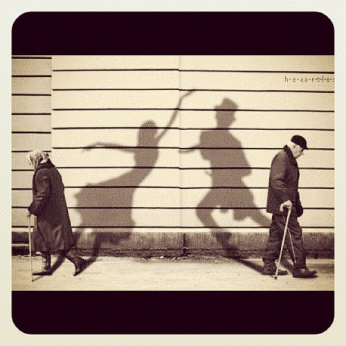 Walkin' down the streets, we can meet out dreams… #love #dream #dance #old #street #walking #shadow (Taken with instagram)