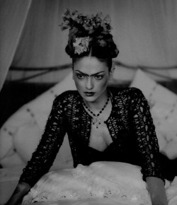 nothingpersonaluk:   editorial : Frida Kahlo