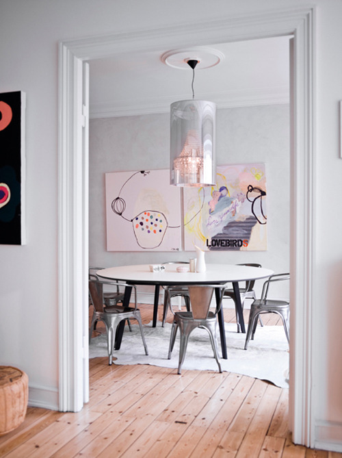 micasaessucasa:  (via danish apartment with touches of color | the style files)