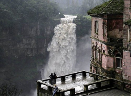 casabet64:  Salto de Tequendama, Bogota     Reminds of one of the last scenes of Sherlock Holmes