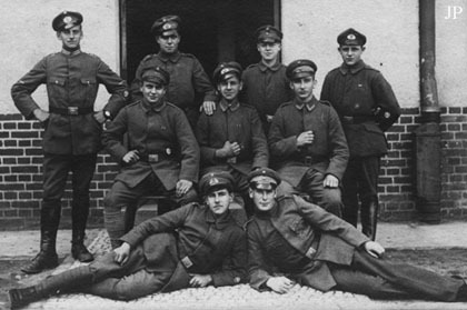 tulpendiebe:  Freikorps (English: Free Corps) are German volunteer military or paramilitary units. The term was originally applied to voluntary armies formed in German lands from the middle of the 18th century onwards. Between World War I and World War II the term was also used for the paramilitary organizations that arose during the period of the Weimar Germany. Freikorps units fought both for and against the German state. They formed the vanguard of the Nazi movement. Wikipedia