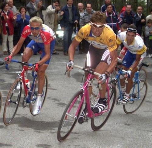 Ullrich, VDB, and Jose María Jimenez at the '99 Vuelta. These guys were electric.  One banned and the other two are dead. God damn some doping. - big jonny