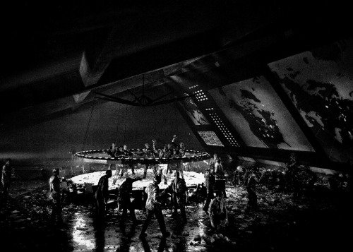 joshuaduane:  Pie fight on the set of Dr. Strangelove or: How I Learned to Stop Worrying and Love the Bomb (1964)