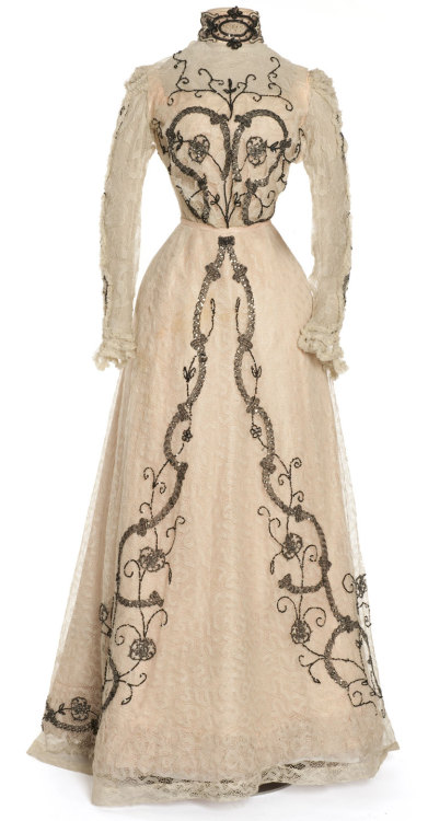 oldrags:  Dress worn by Cléo de Mérode, 1900-02 Paris, Les Arts Décoratifs