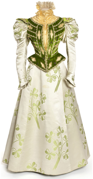 oldrags:  Dress, ca 1897 France, Les Arts Décoratifs