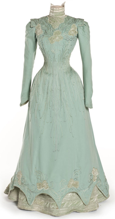 oldrags:  Dress, 1898 Paris, Les Arts Décoratifs