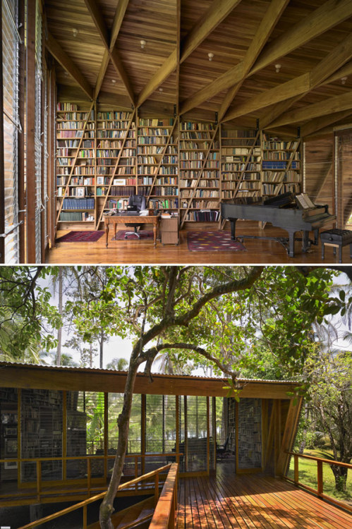 20 Beautiful Private and Personal Libraries (Via the Loop)