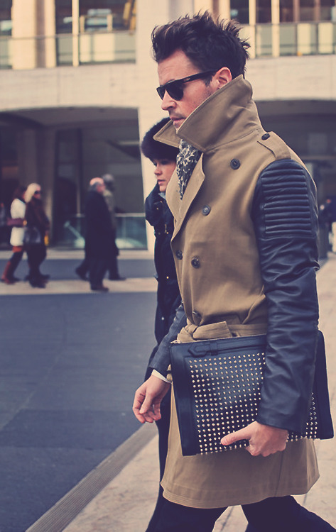 viranlly:  @mrbradgoreski in a Burberry Prorsum Trench and Christian Louboutin clutch. His BEST look so far! i am obessed