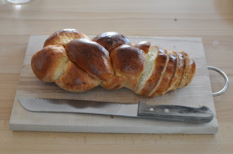 treesandrocks:  Zopf is a traditional Swiss Sunday bread, usually found twisted or plaited. I had the privilege of watching a Swiss man make it in a Swiss cabin on New Year's Eve, place it in the rafters above the fireplace to rise, and then serve it on January 1.  Recipe German / English (the German link has instructions on how to get the zopf into the proper shape)  Tsupfe is the best bread! <3