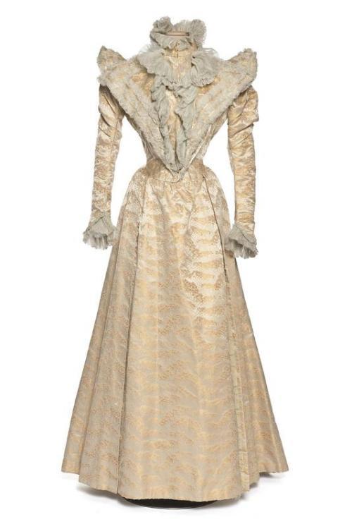 Dress, 1888-92 France (Lyon), Les Arts Décoratifs
