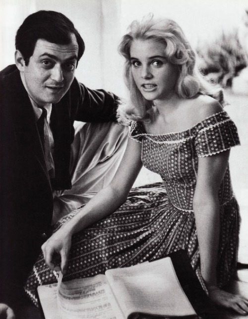 "Lolita trivia (1962):  Sue Lyon went horse-back riding everyday after filming. Kubrick told her, ""If you get thrown, roll over. Don't hurt your face."""