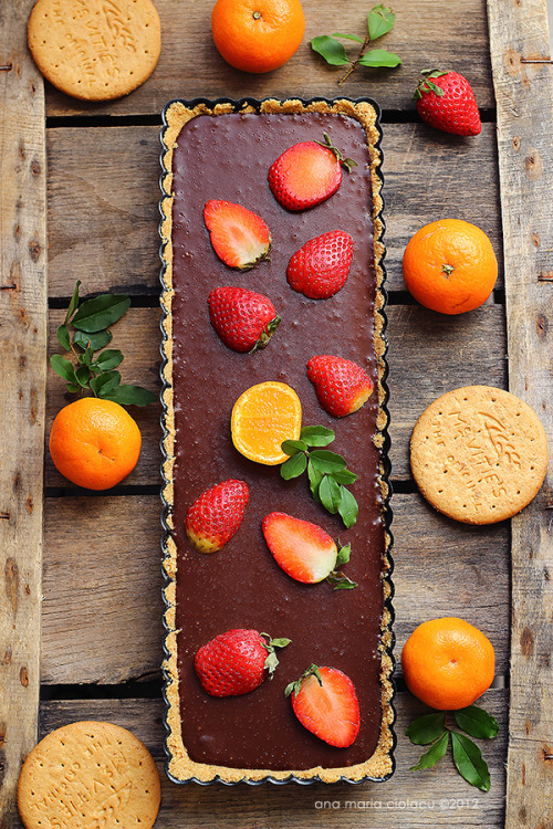 No-bake Tart with Chocolate Ganache and Strawberry by Just Love Cookin'