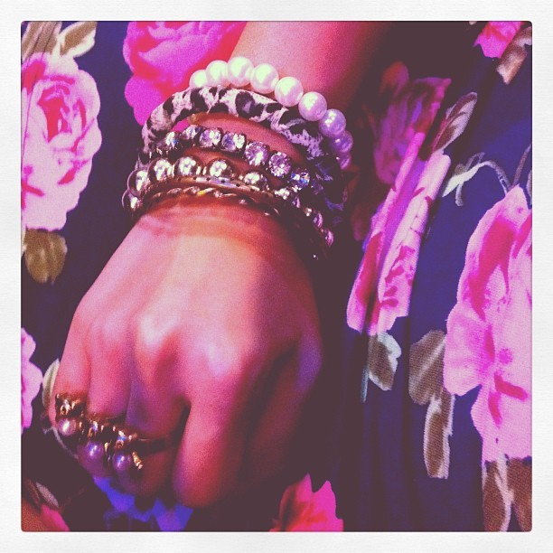 Chic! 3 in 1. Floral. Pearls. Leopard Print.  Floral Skirt from F21 | Bangles from Febrile Chic What I wore last February 14, 2012 ;) No time for taking an outfit post because it was a quick get up. We didn't plan to go out that night because afraid of long lines of people at restos..