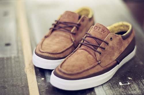 thedailystreet:  VANS OTW COBERN (DRESS BLUE & CINNAMON)