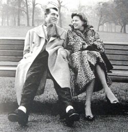 sthsweetsthbitter:  Ingrid & Cary in London, filming Indiscreet (1958)