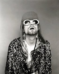 happy birthday kurt <3