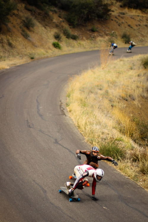 dust-inyourface:  Dustin Hampton on Bill Byronson. Wheelbase mag. Photo: Bandy