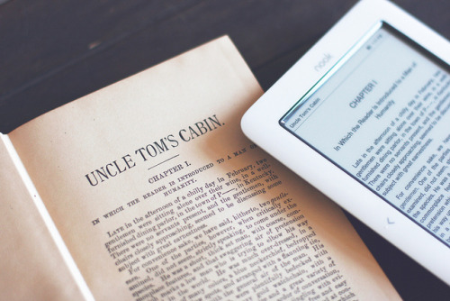 booksandtea:  Technology by alyssakai on Flickr.