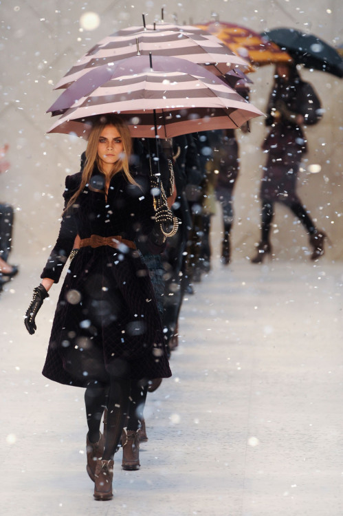 suicideblonde:  Burberry Prorsum Fall 2012, February 20th