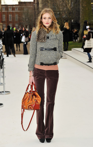 Look of the Day - Rosie Huntington-Whiteley in Burberry