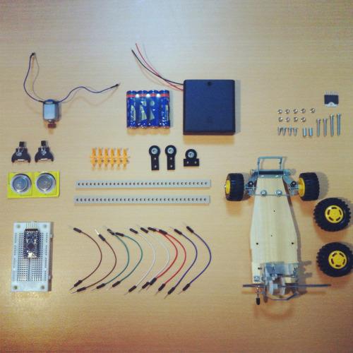 SENSELESS DRAWING BOT Prototyping Workshop 2012.2.25 @Mercedece-Benz Connection http://megei.jp/timetables/1/1?locale=ja