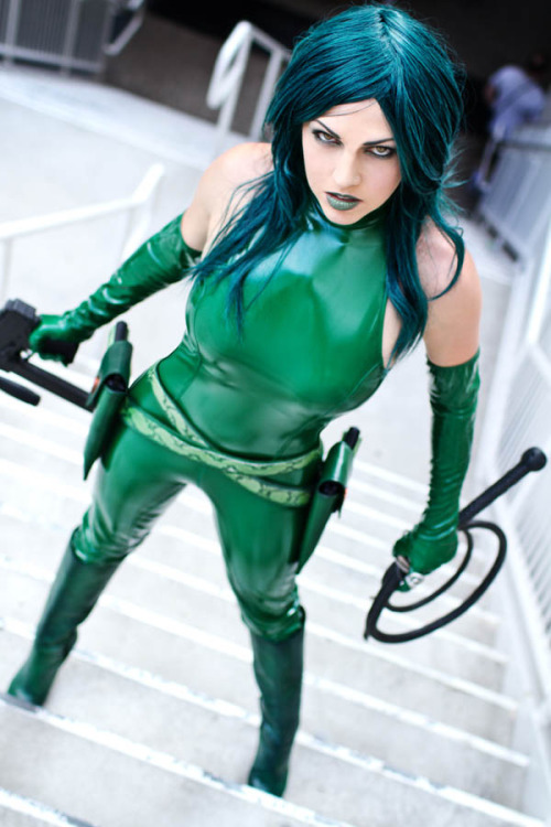 porkiepuss:  Madame Hydra cosplay comic con