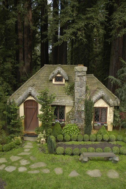 belleatelier:  Woodland cottage