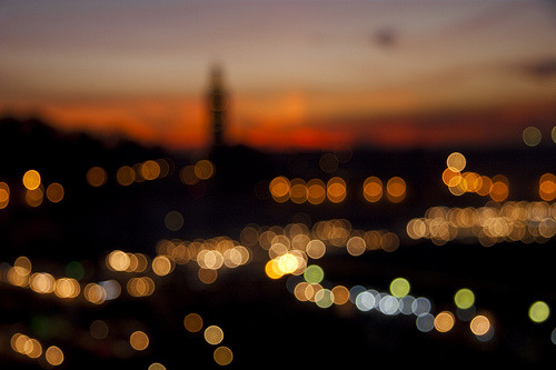 elusive-dreams:  City lights (by Antonio Torres Ochoa)