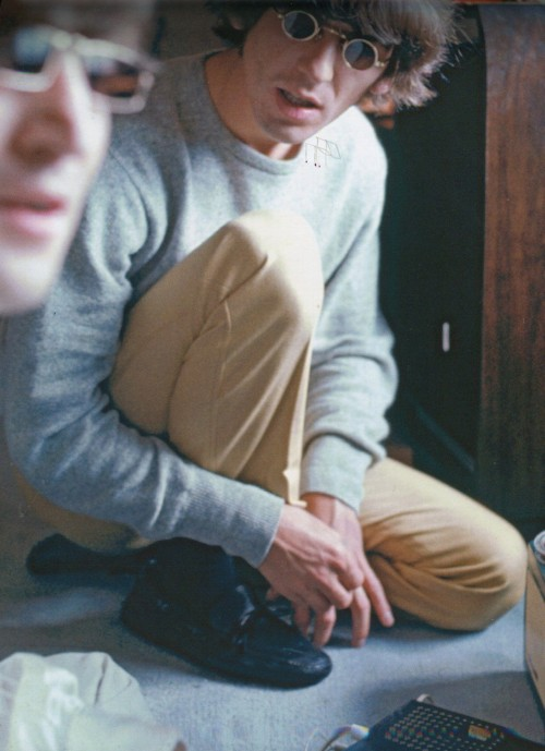 lennonordie:  tragicalhistorytour:  July 2nd, 1966 George and John in their Tokyo suite.  amazing