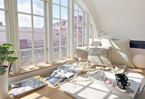Image from Swedish real estate site, Alvhem via Apartment Therapy