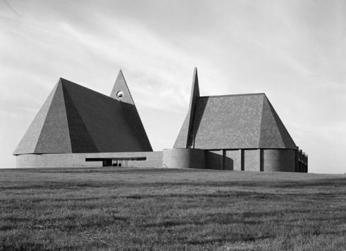 wandrlust:  Henry Weese's First Baptist Church, 1962–65, Columbus, Indiana