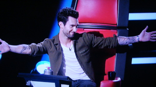 "piinklemonade:  danceyrselfclean:  ""And you (Adam Levine) do that to me, you make me giddy, you make me fall apart, I lose my voice when you are around."" —Blake Shelton, The Voice I mean I get it Blake…I TOTALLY get it.  those two have the best bromance or what? <3"