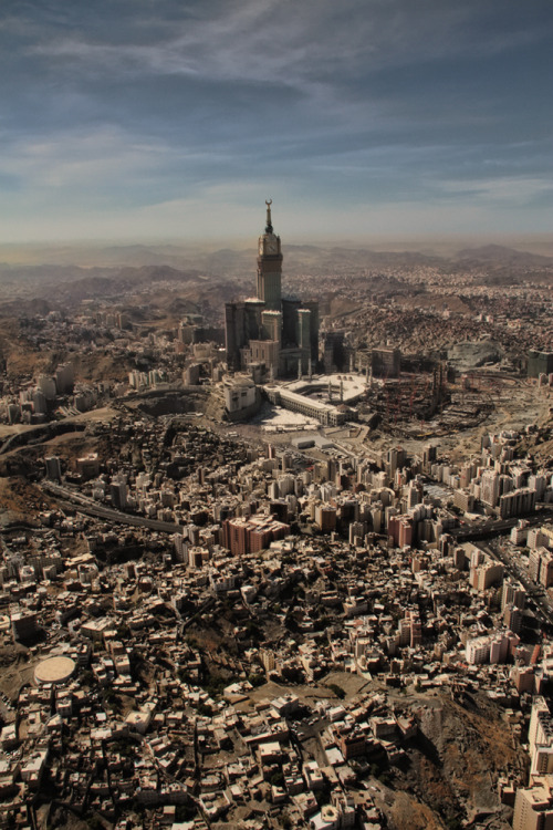 travelingcolors:  Makkah | Saudi Arabia (via eslamelshatby)  I miss it :(
