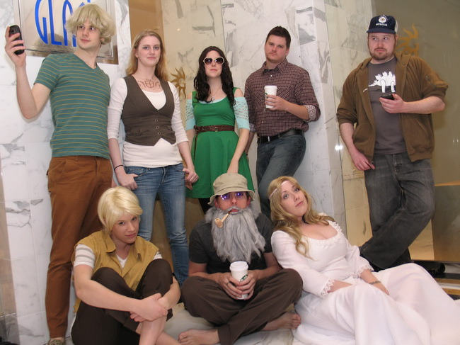 gingerhaze:  Broship of the Ring cosplay!!!! Oh this just makes my life. Brought to my attention by blackpooled, images found here. There's no information about the cosplayers themselves, but if you're there, come forward! I hope it's okay to post this.