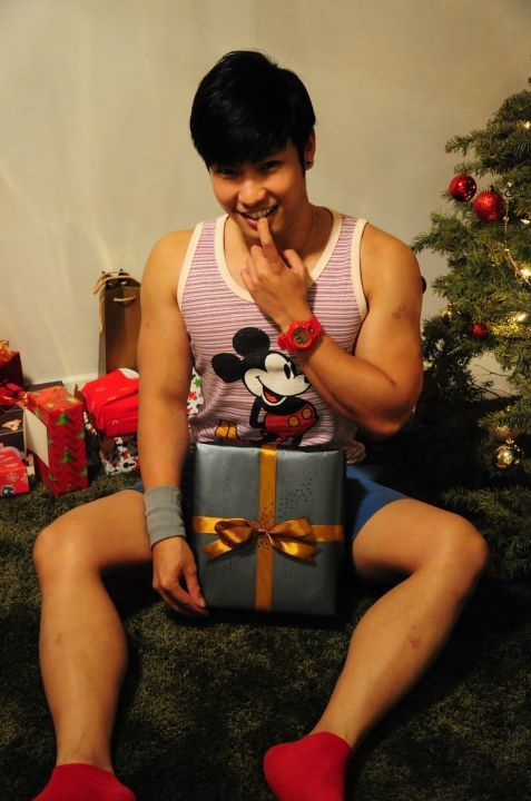 asianmales:  Is it Christmas yet?