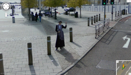 "Time Lord ""Mary Poppins"" in Google Maps in Cardiff(!?!) fireflyastoria:  So I was fiddling between Google and MapCrunch and do you know what I found? Do you know who that is? Yep, that's Mary Poppins. Do you know where that is? Yep, that's Cardiff. Specifically, that's outside the Roald Dahl Plass. Do you know what the Roald Dahl Plass is? Yep, the roof of Torchwood. Do you know why Torchwood is there? Yep, that's because of the rift in Cardiff, specifically that rift for a specific reason. Do you know where the Doctor re-fuels the TARDIS? So tumblr was right. Mary Poppins IS the Doctor."