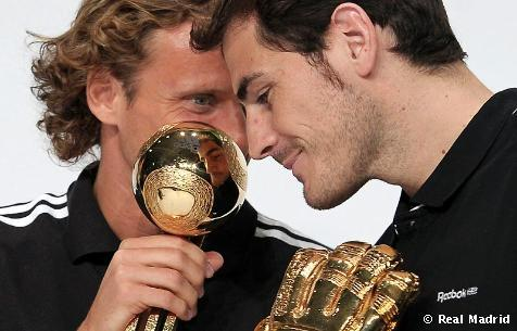 Casillas and Forlan ♥