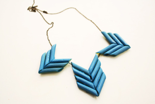 littlecraziness:  Penne statement necklace « By Wilma via craftgawker.  this is farking genius. and hilarious. i wore a necklace my son made me the other day with rainbow penne and super scatchy jute twine. preschool teachers should be sending necklaces like this home…haha…loving it.