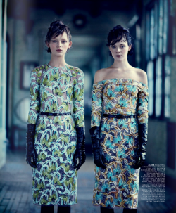 (via Thunder In Our Hearts : ELBOW GLOVES & FLORAL FROCKS)