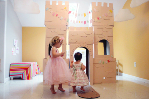 unicornsandrainbowscrafts:  DIY $4 Cardboard Castle. Seriously love this and can also use ideas from this to build a cat castle! Tutorial from The Busy Budgeting Momma here.  Love how she tied the boxes together. I would have loved this as a kid!