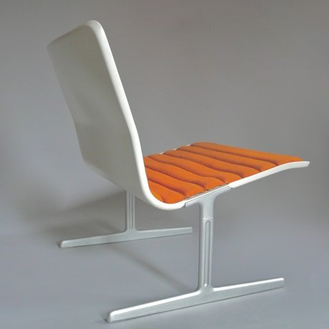 chairstalker:  Vitsœ 601 Chair. Designed in 1960 by Dieter Rams via    Notr to self: Must blog about Dieter Rams Chairs