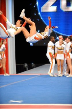cheerleaderxo:  fiercest-athletes:  I love when girls can tumble with the boys <3  same<3
