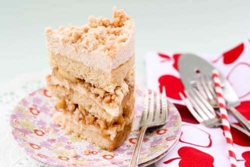 oohhhbaby:  apple pie layer cake