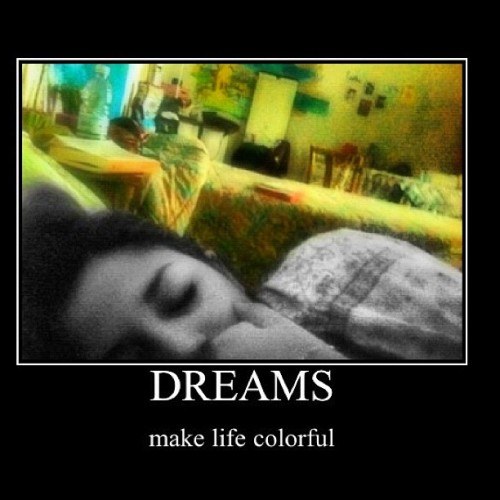 #dreams make your #life #colorful - i #sogni colorano la tua #vita ( #10likes #sleep #bed #letto #sonno #sleeping #dormire #colori #igersnapoli #naples #sogno #colore_italiano #instagood #ig #iphonesia ) (Taken with instagram)