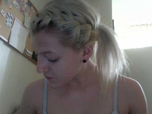 showin off my braid before class <3