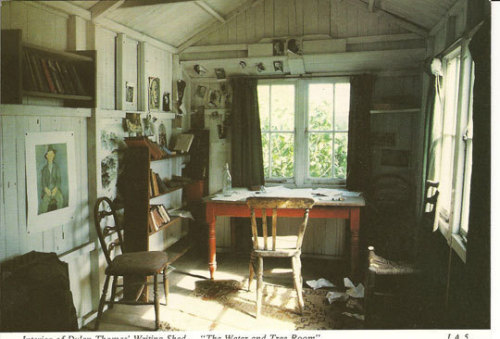 ahumblemagic:  The inside of Dylan Thomas' writing hut.