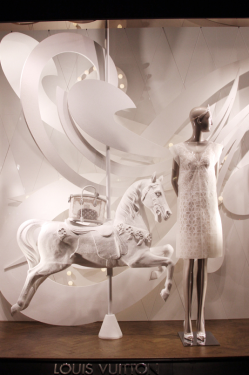 The latest Louis Vuitton windows are up, check out the greatness in HD here.