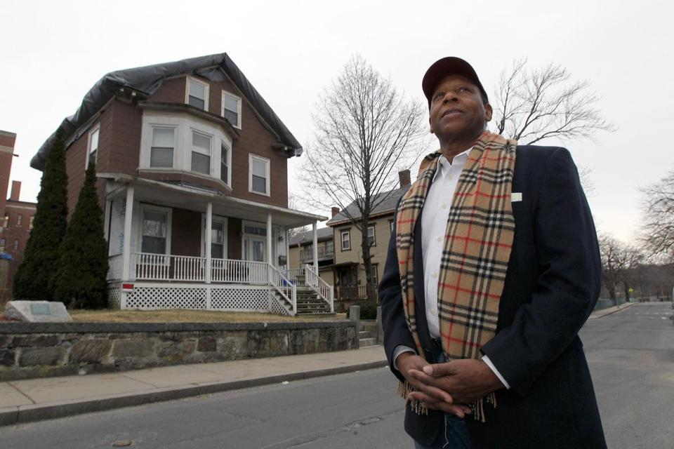 Malcolm X house may get makeover - The now run-down Roxbury home where Malcolm X lived in the 1940s could be turned into housing for graduate students in African-American studies or related fields.