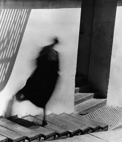 luzfosca:  Minor White Movement Studies Number 56, 1949 Thanks to wonderfulambiguity