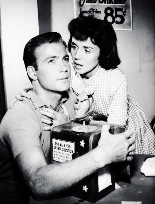 "vintagegal:  The Twilight Zone ""Nick of Time"" original air date Nov. 18th, 1960"
